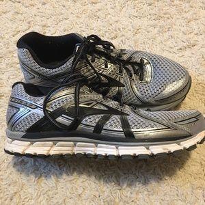 Brooks GTS 17 Running Shoe Sz 9 Extra Wide